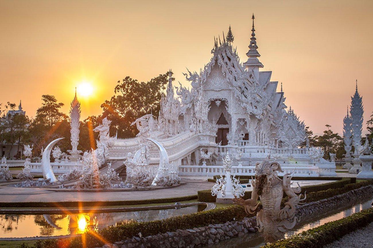Белый буддийский храм: невероятное архитектурное творение тайского художника