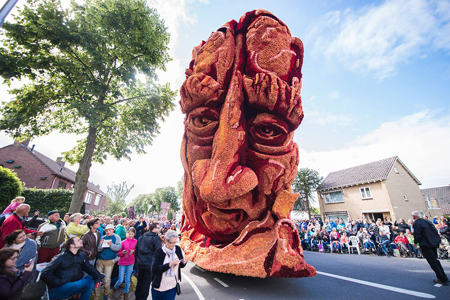 van-gogh-flower-parade-floats-corso-zundert-netherlands-17