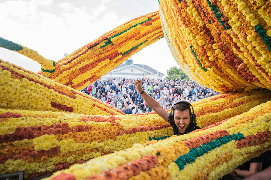 van-gogh-flower-parade-floats-corso-zundert-netherlands-4