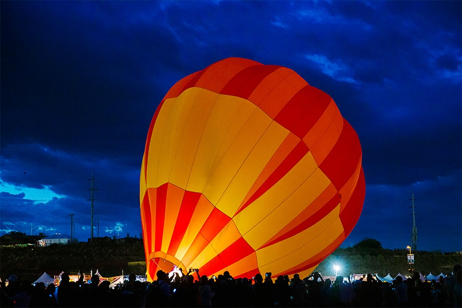Annual balloon festival in Albuquerque 03
