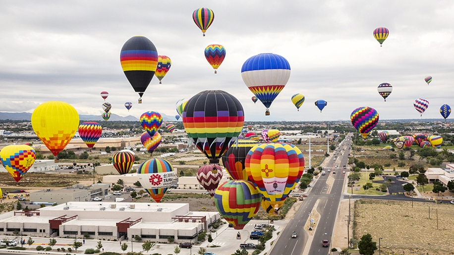 Annual balloon festival in Albuquerque 11