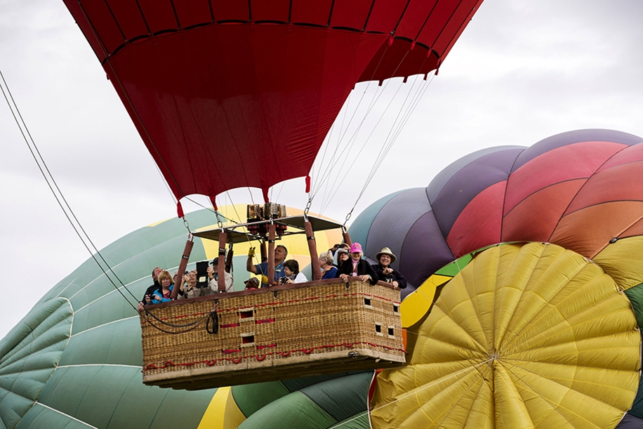 Annual balloon festival in Albuquerque 12