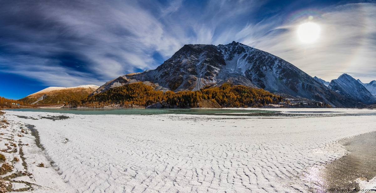 Golden autumn in Altai. Lake Akkem 11