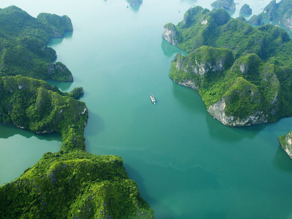 Ha Long Bay 00