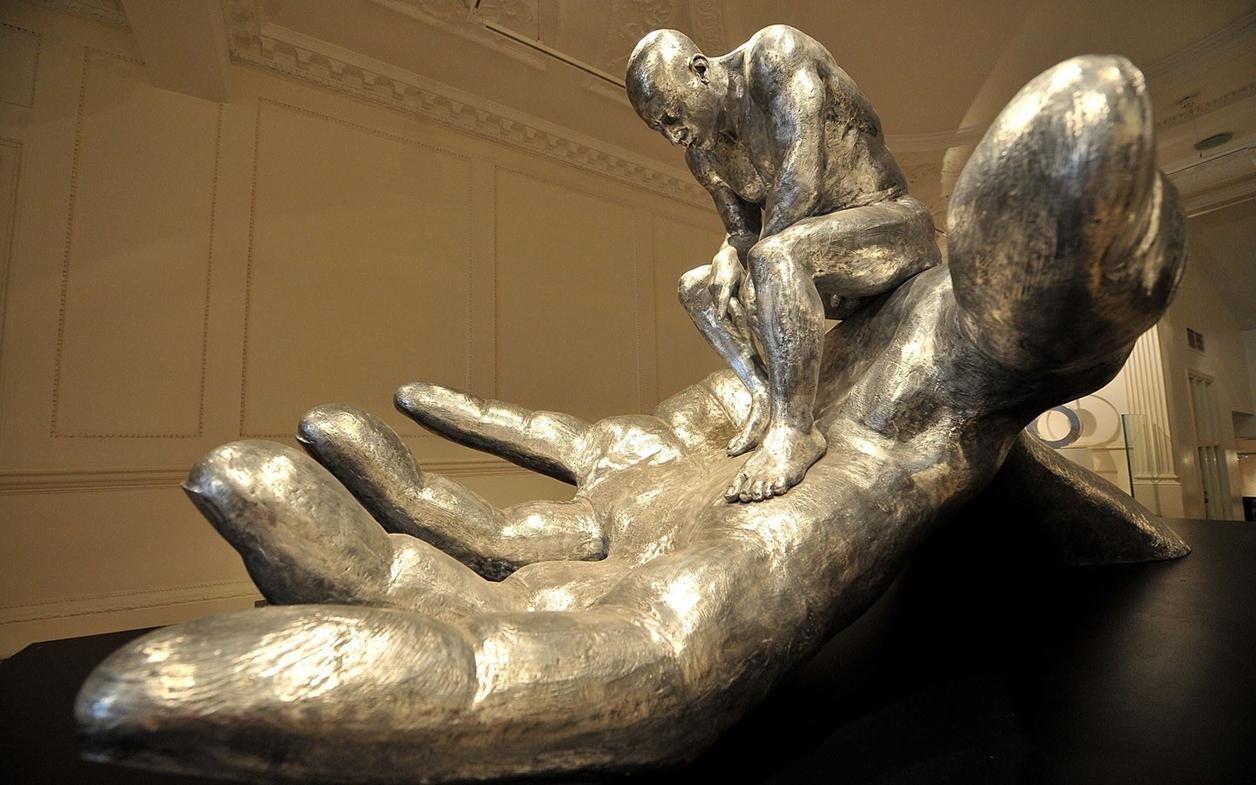 The Amazing Sculptures of Lorenzo Quinn 05