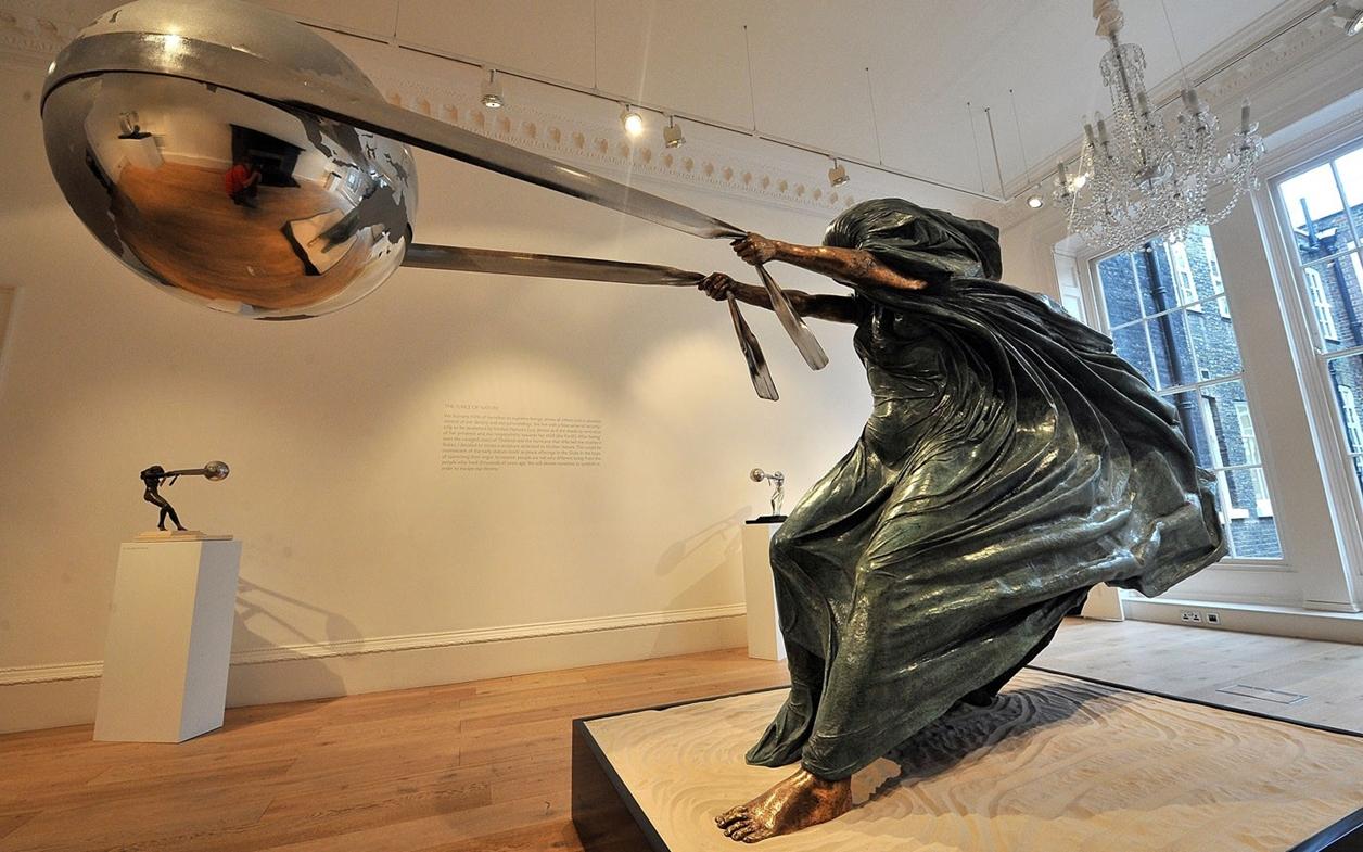 The Amazing Sculptures of Lorenzo Quinn 09