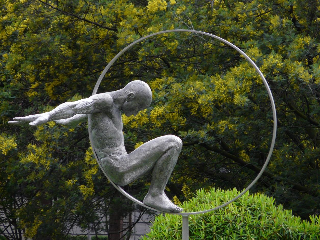 The Amazing Sculptures of Lorenzo Quinn 11