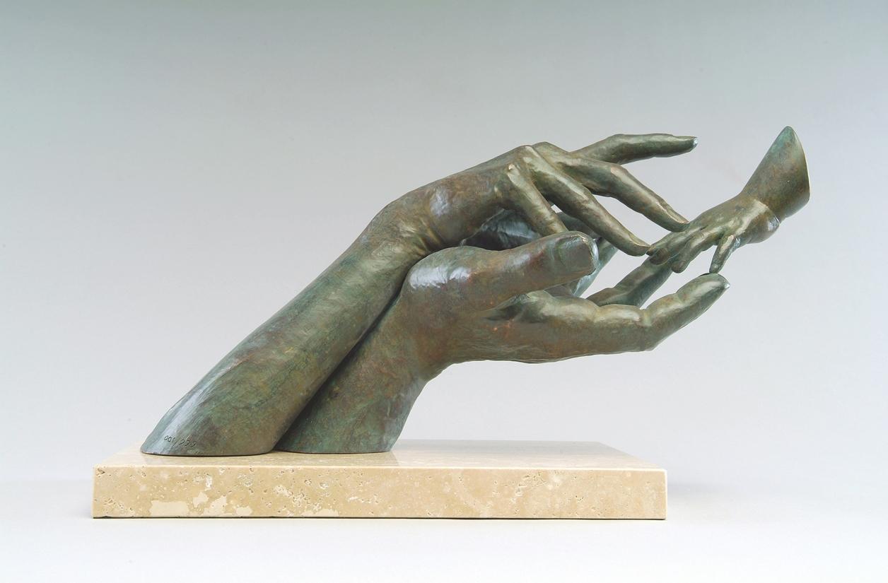 The Amazing Sculptures of Lorenzo Quinn 13