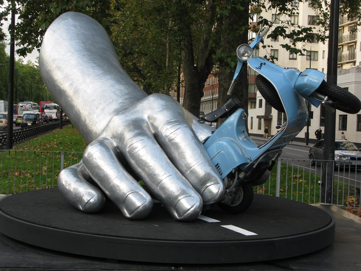 The Amazing Sculptures of Lorenzo Quinn 14