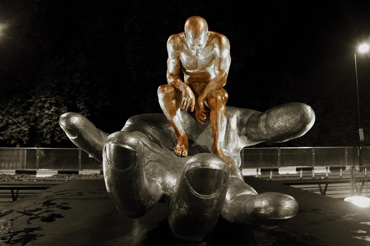 The Amazing Sculptures of Lorenzo Quinn 19