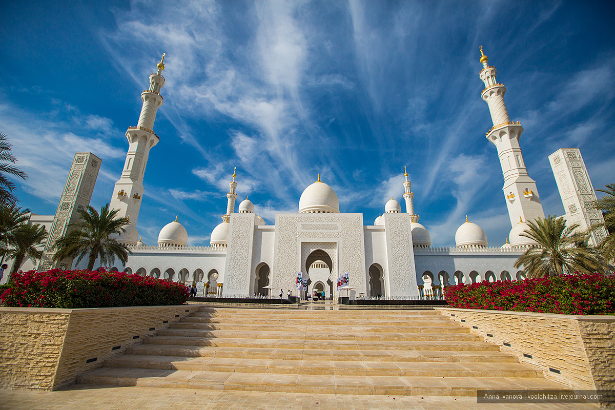 The mosque of Sheikh Zayed and the best view of Abu Dhabi 01