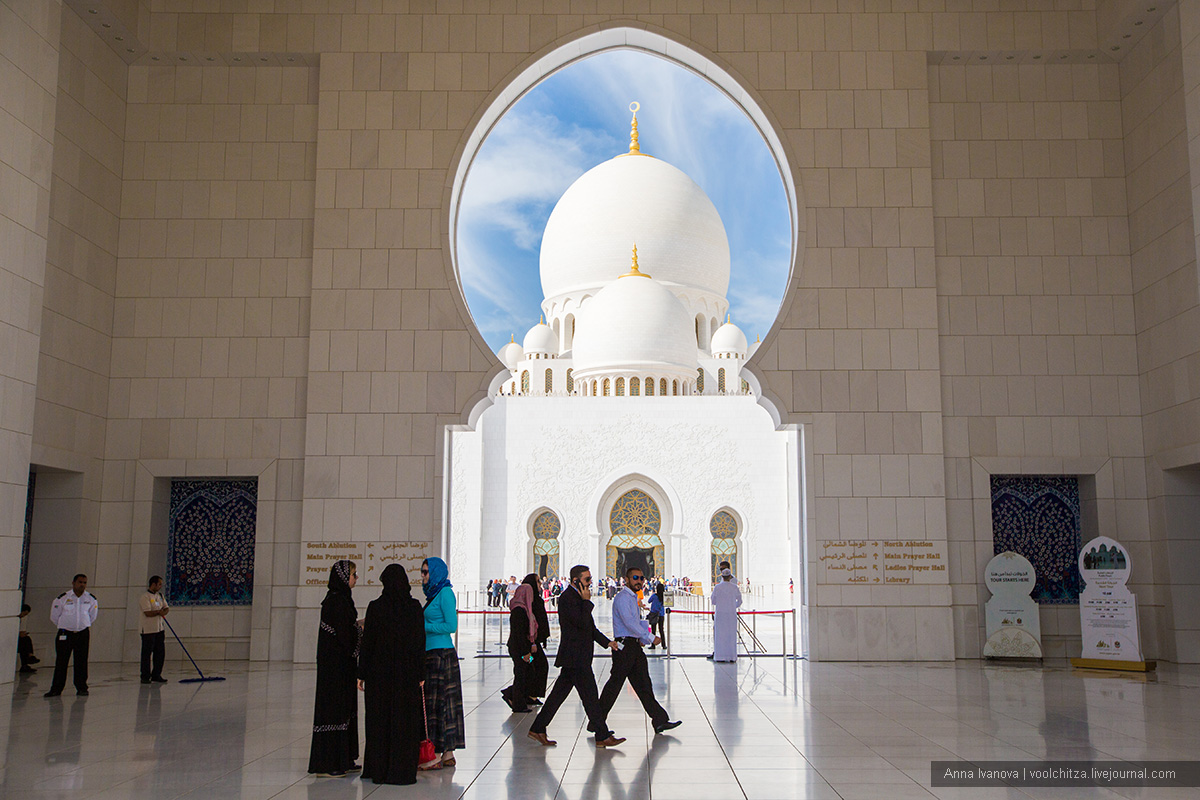 The mosque of Sheikh Zayed and the best view of Abu Dhabi 03