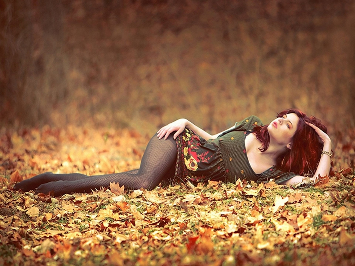girl and autumn 05