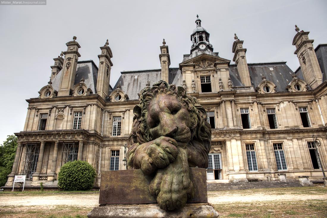 Abandoned castles in France 14