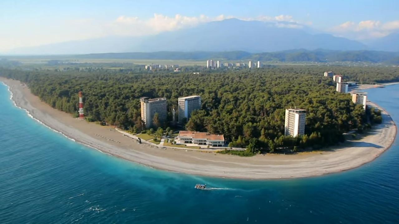 Красивое видео о живописной природе Абхазии