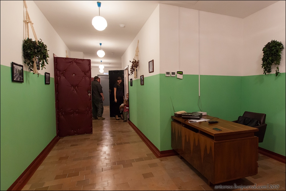 Back in the USSR-time apartment on the Arbat 02