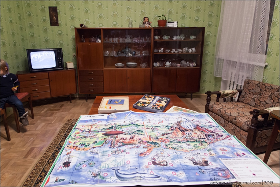 Back in the USSR-time apartment on the Arbat 11