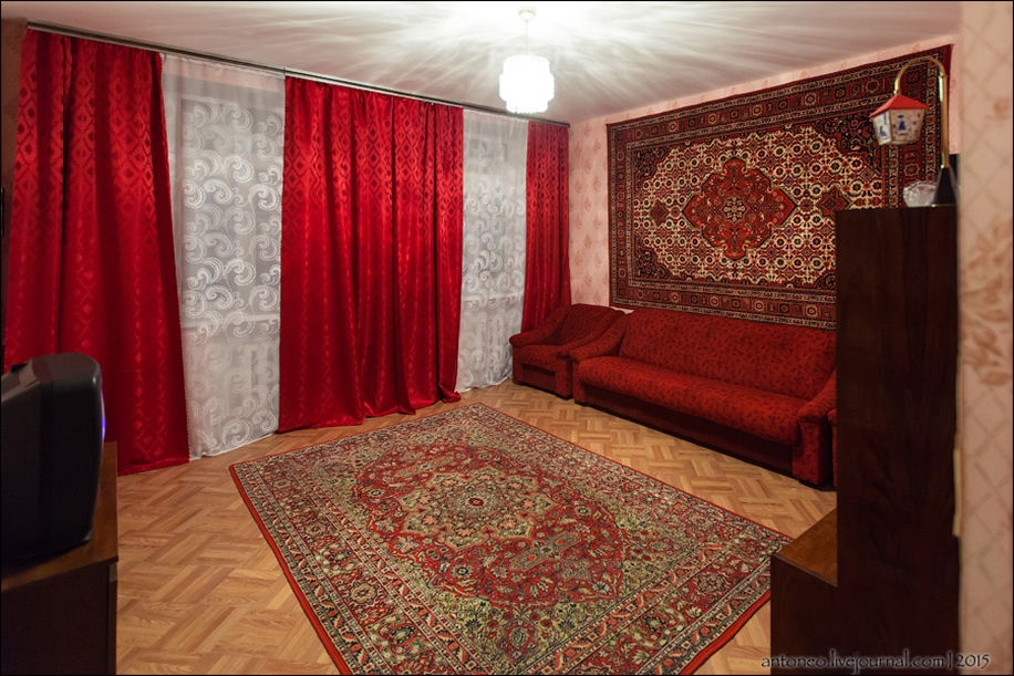 Back in the USSR-time apartment on the Arbat 23