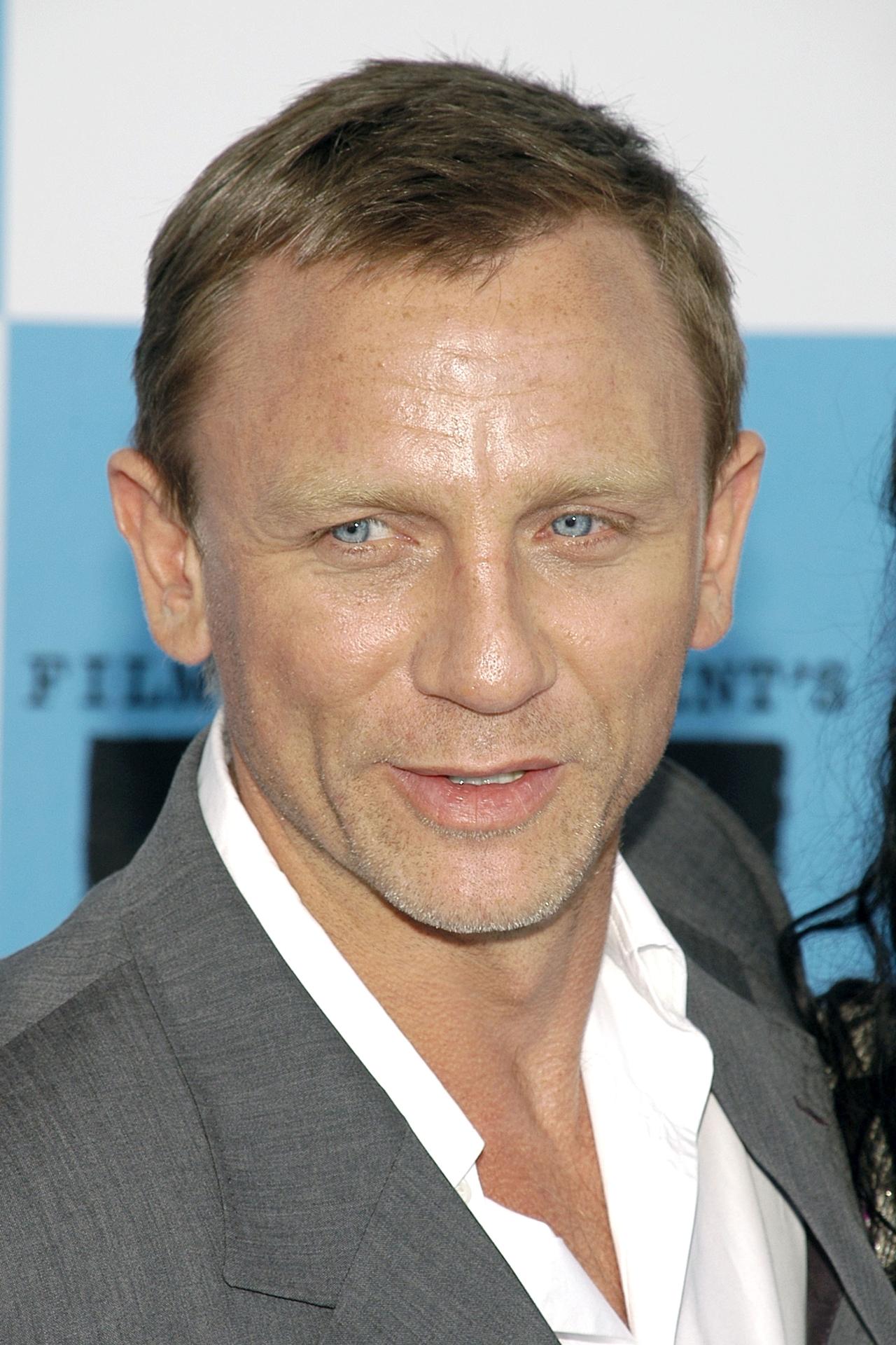 Daniel Craig 06