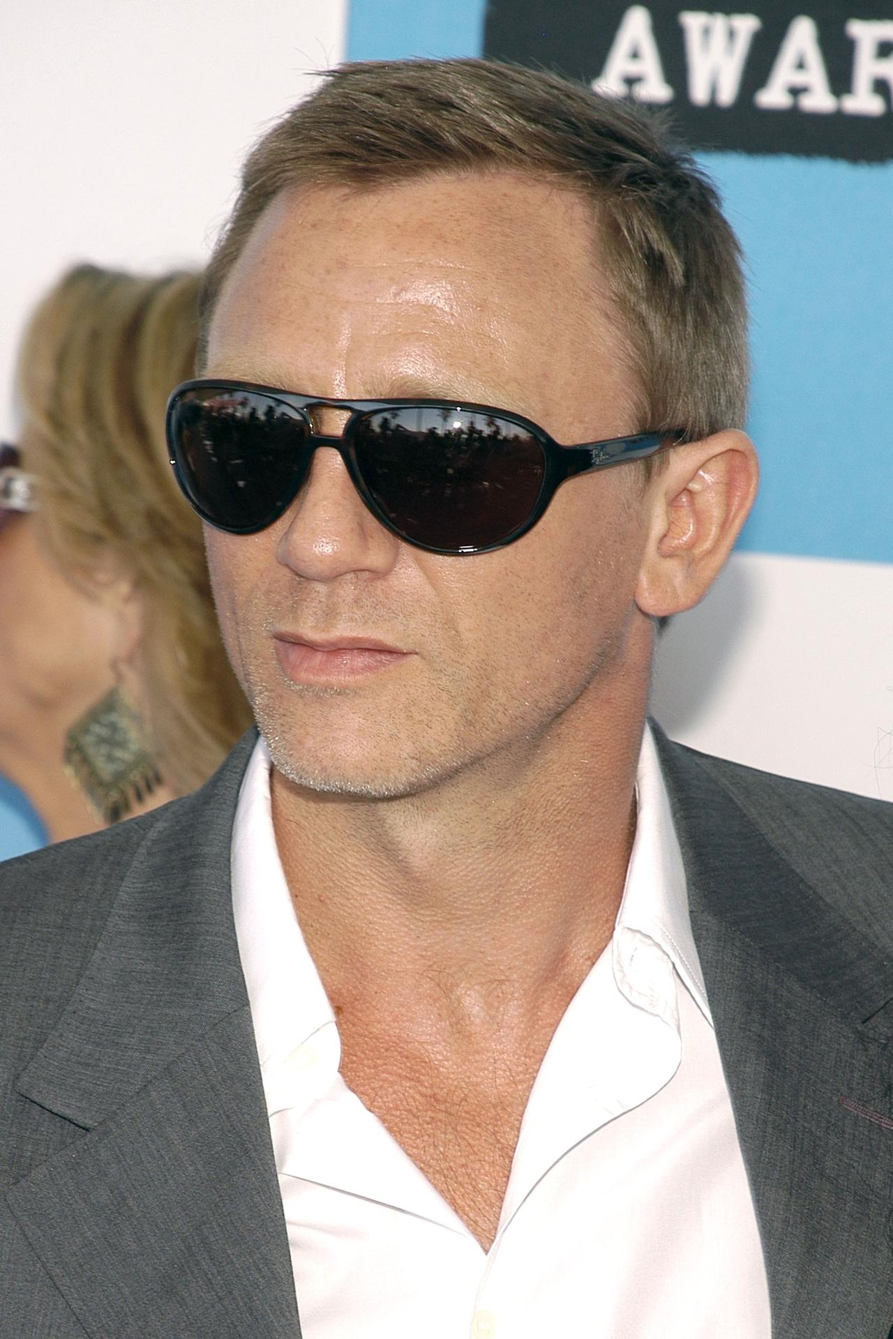 Daniel Craig 08