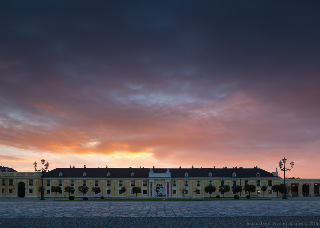 Dawn at schönbrunn Palace 08