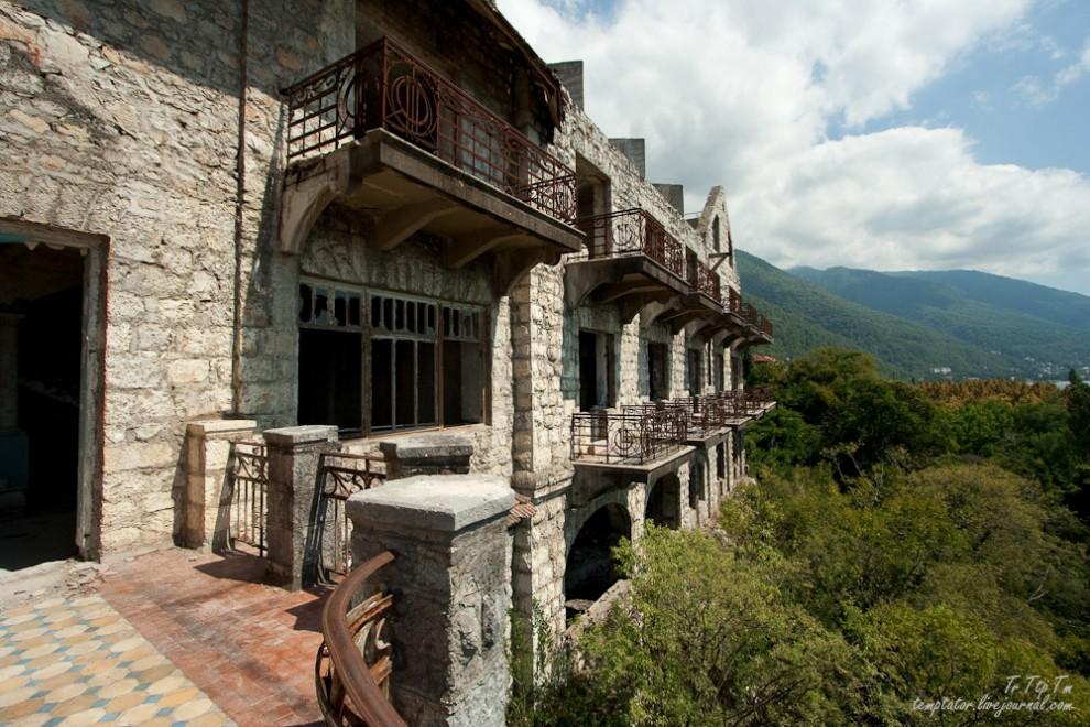 Forgotten resorts of Abkhazia_20