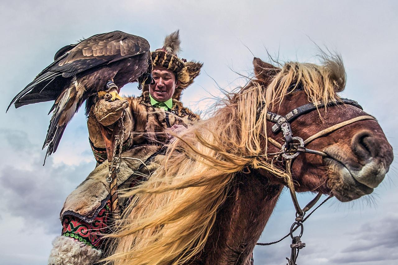 Golden Eagle Festival in Mongolia 07