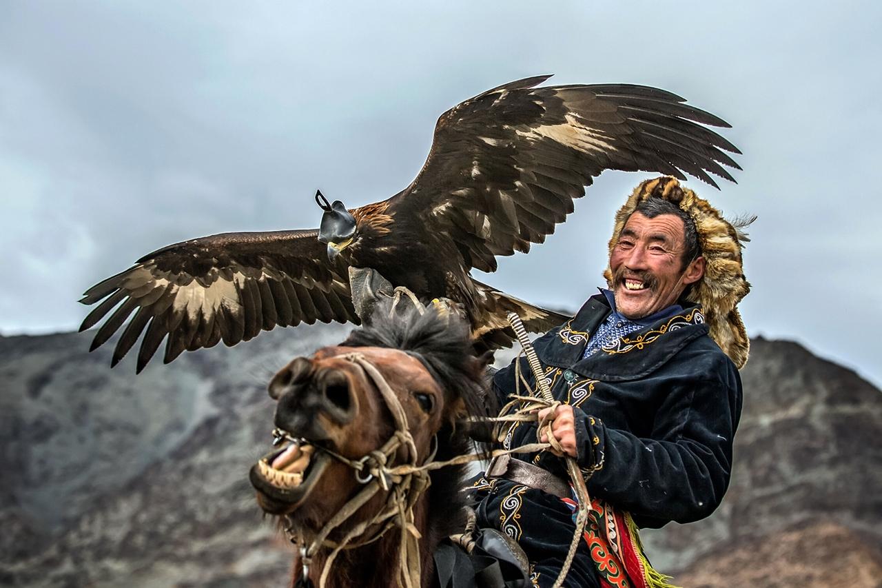 Golden Eagle Festival in Mongolia 08