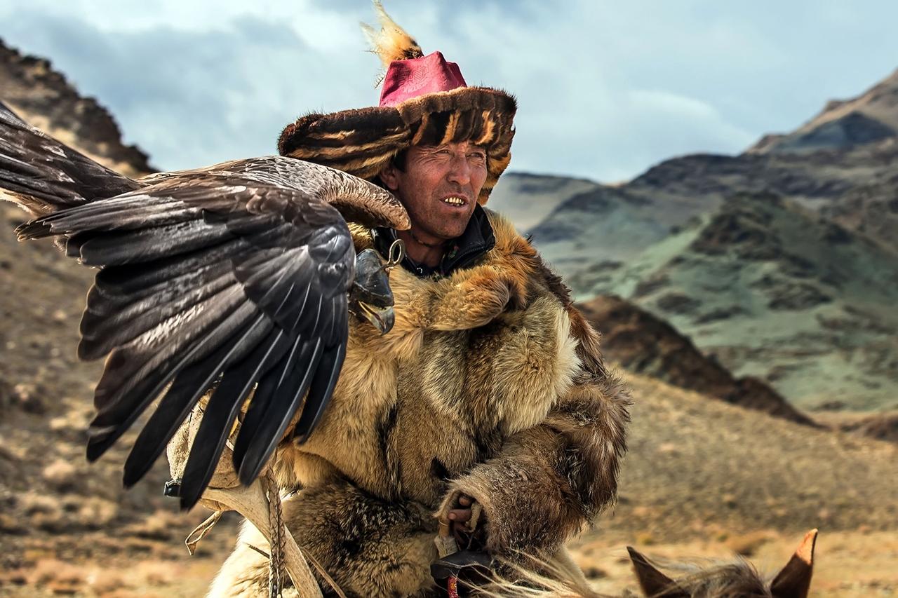 Golden Eagle Festival in Mongolia 09