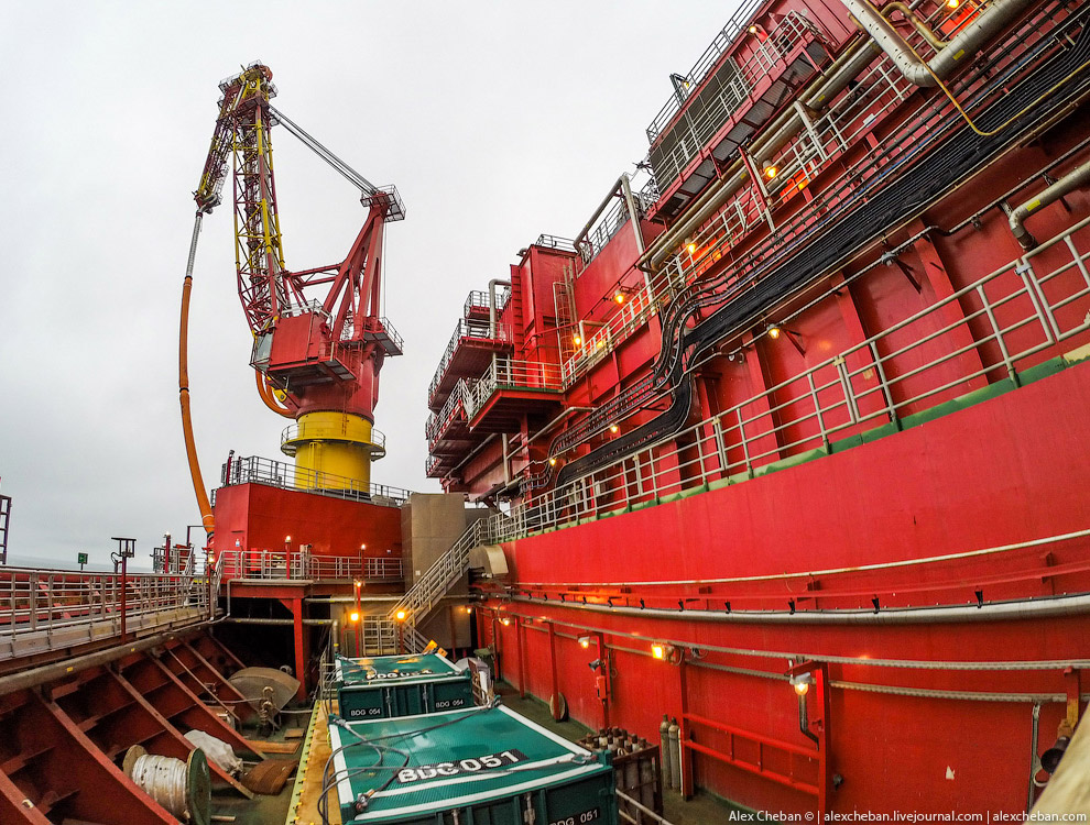 How extract oil in the Arctic on the Prirazlomnaya platform 15