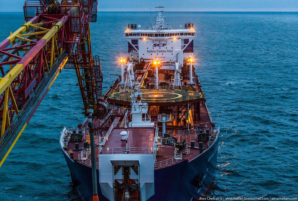 How extract oil in the Arctic on the Prirazlomnaya platform 17
