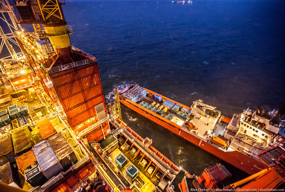 How extract oil in the Arctic on the Prirazlomnaya platform 25