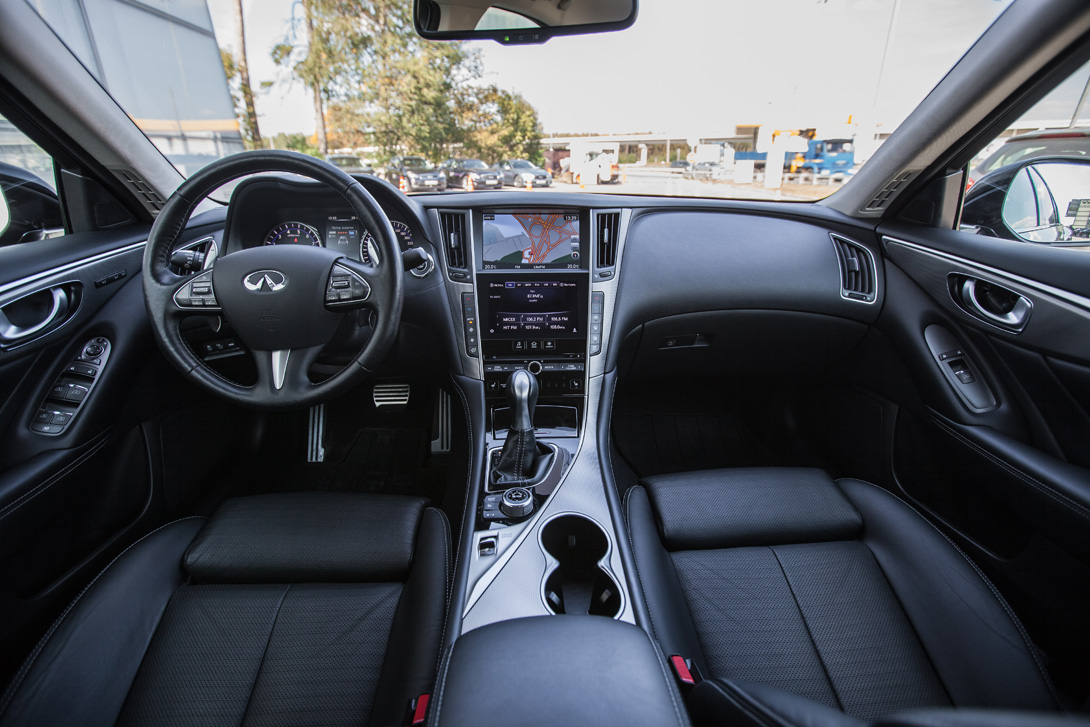 Infiniti Q50 Hybrid 06