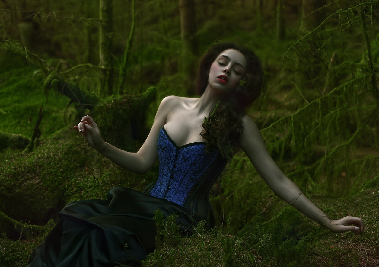 Magical images of women in the Welsh forests 24