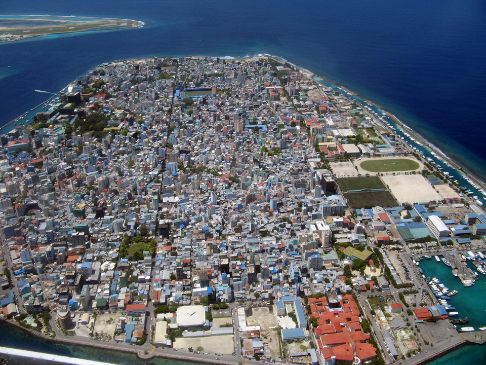 Malé is a city in the ocean 04