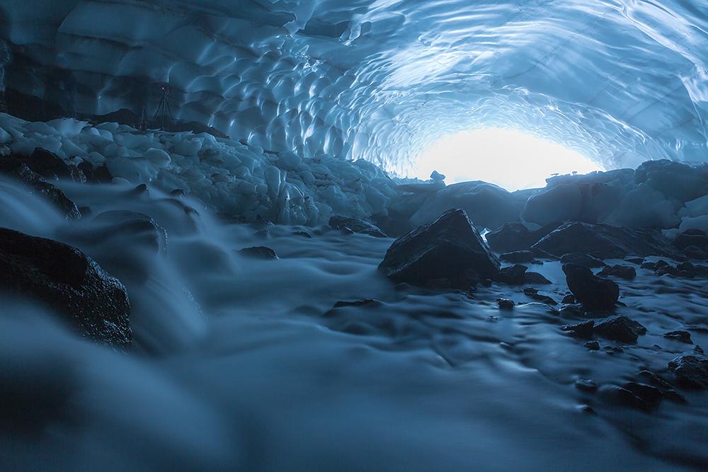 Pristine Kamchatka snow caves 02