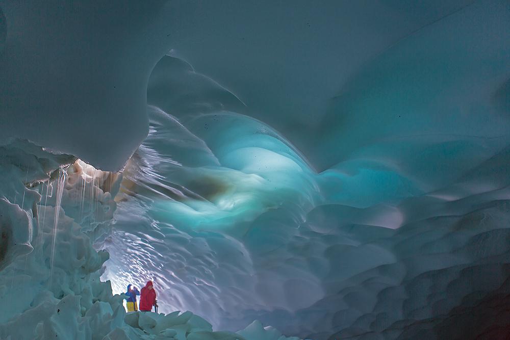 Pristine Kamchatka snow caves 04