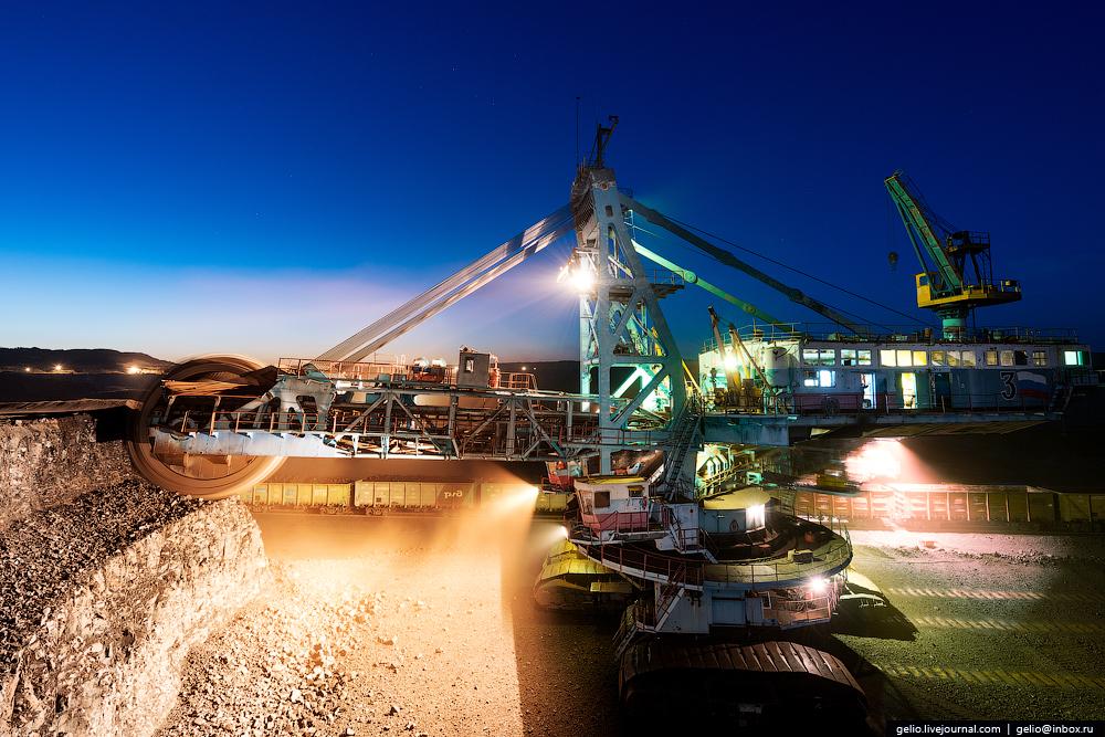 The biggest coal mine in Russia 03