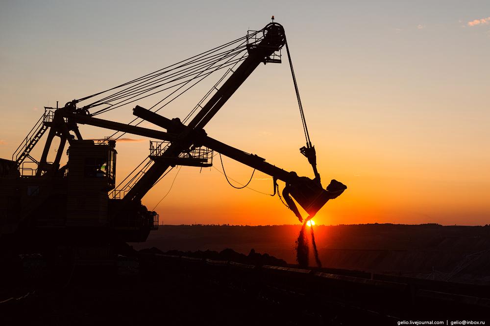 The biggest coal mine in Russia 09