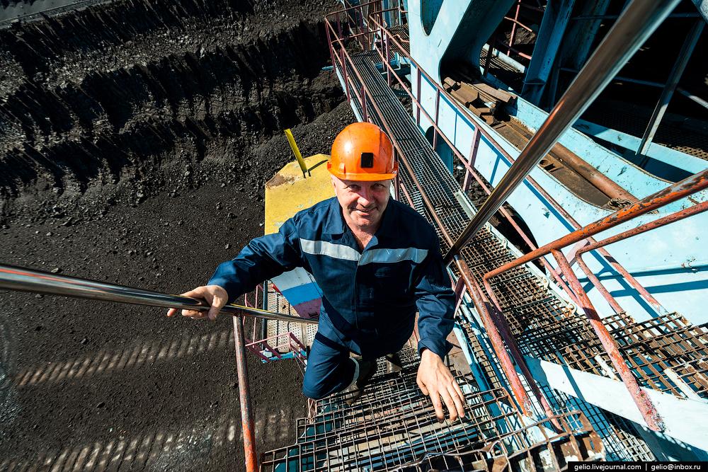 The biggest coal mine in Russia 13