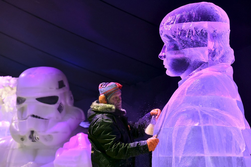 The ice sculpture festival in Belgium 09