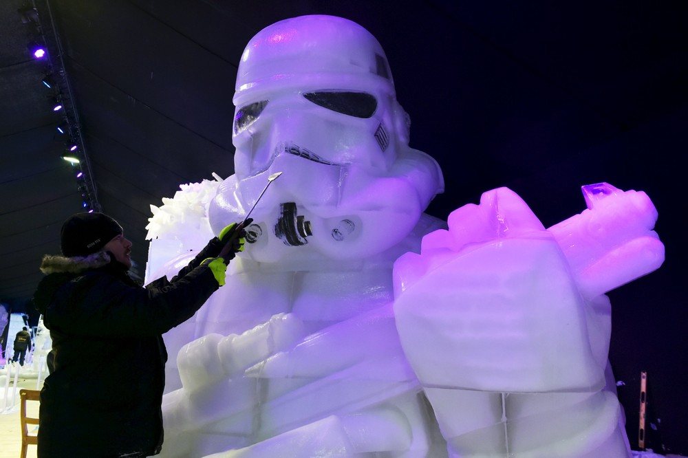 The ice sculpture festival in Belgium 10
