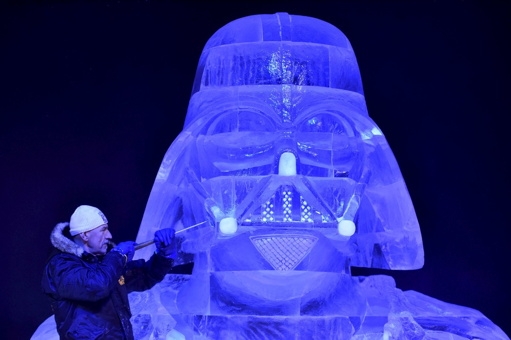 The ice sculpture festival in Belgium 12