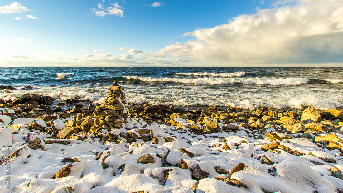 The waves, the snow and rocks of the Baikal 02
