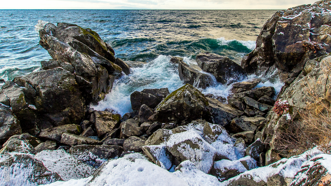 The waves, the snow and rocks of the Baikal 10