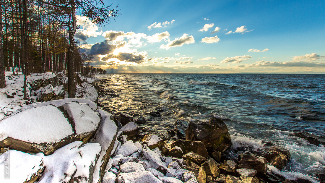 The waves, the snow and rocks of the Baikal 11