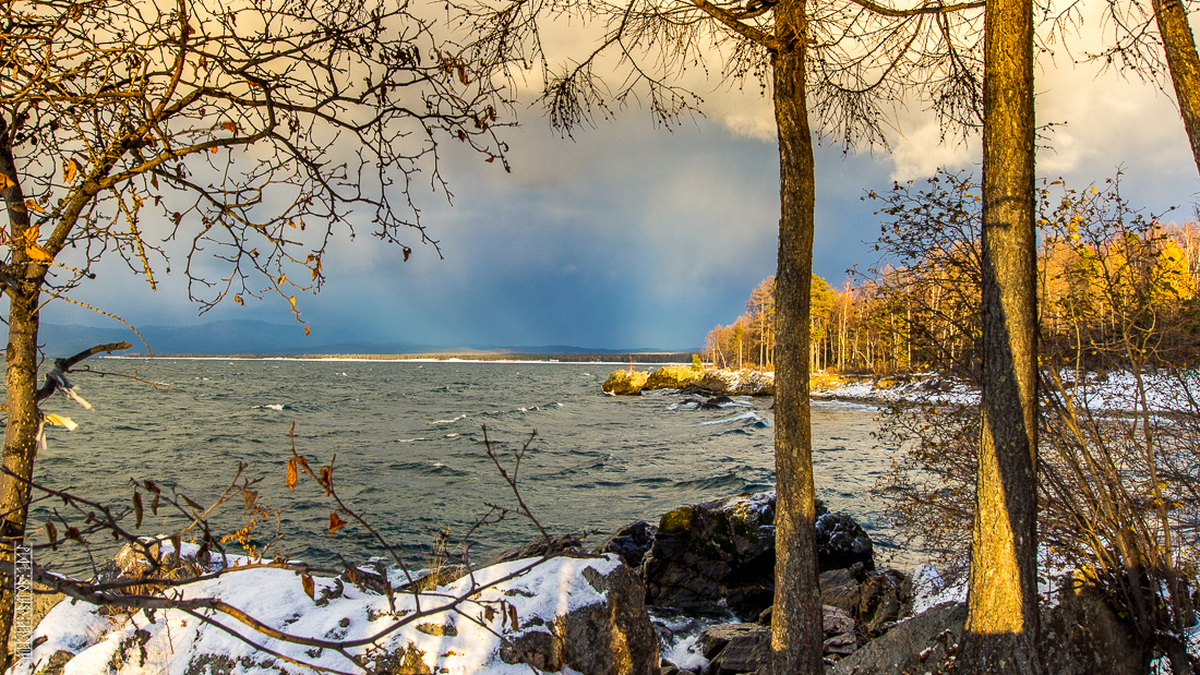 The waves, the snow and rocks of the Baikal 16