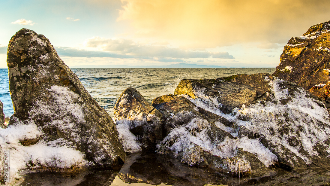 The waves, the snow and rocks of the Baikal 18