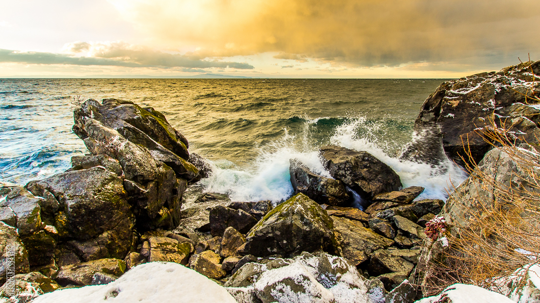 The waves, the snow and rocks of the Baikal 20