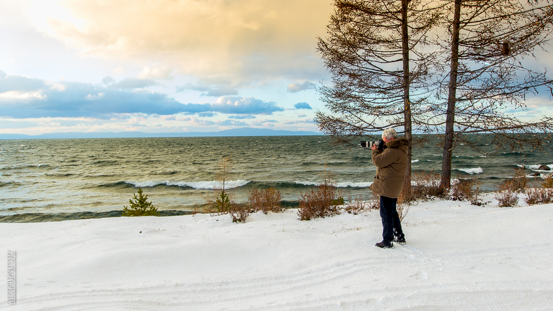 The waves, the snow and rocks of the Baikal 23